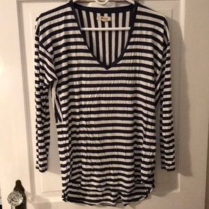 Multi directional striped v neck tee